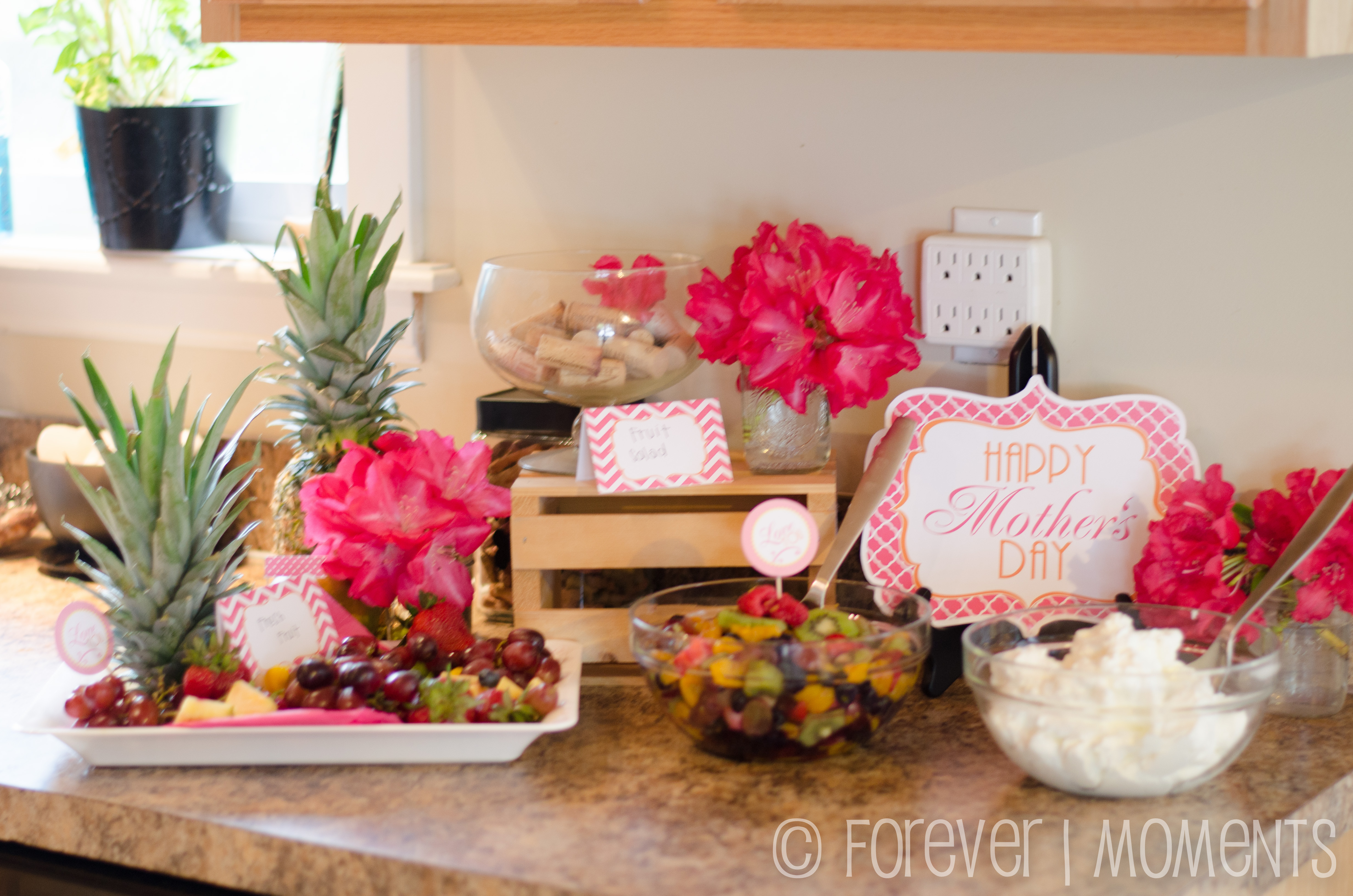 Mother s day brunch waffle bar forever moments events for Modern day decor